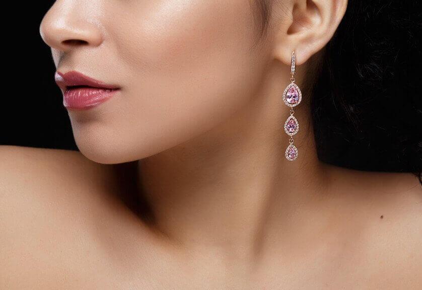 ear lobe repair in Noida
